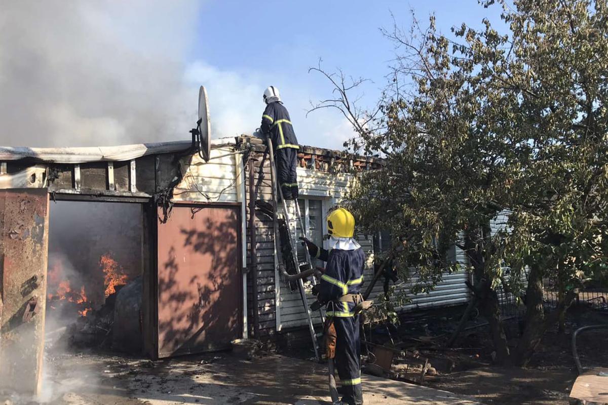 Под Днепром горел жилой дом. Новости Днепра