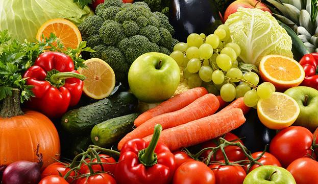 Цены на фрукты в Украине в июле текущего года выросли на 1% в годовом выражении вместо привычного снижение в этом месяце, говорится в обзоре инфляции за июль департамента стратегического планирования и макроэкономического прогнозирования Минэкономики. Новости Украины