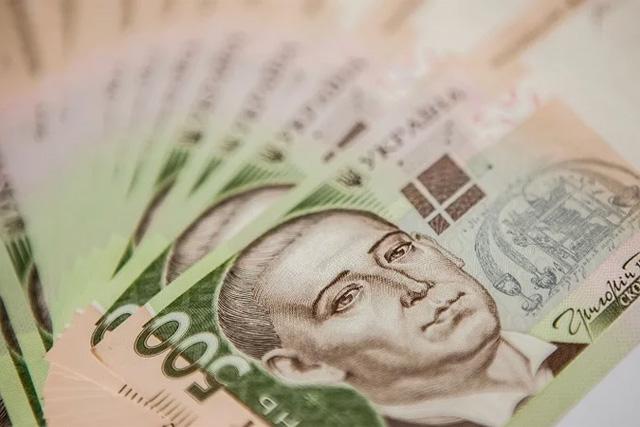 Владимир Зеленский подписал закон о повышении минимальной заработной платы с 1 сентября до 5 тысяч гривен. Новости Украины