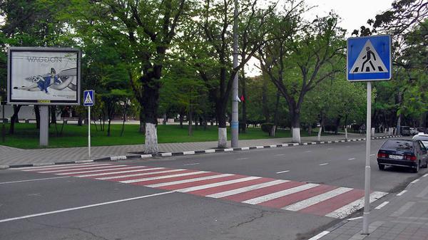 Новости Днепра про В Днепре придумали, как заставить водителей останавливаться перед «зеброй»
