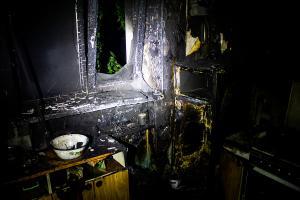Во время тушения пожара в квартире нашли бездыханное тело женщины. Новости Днепра