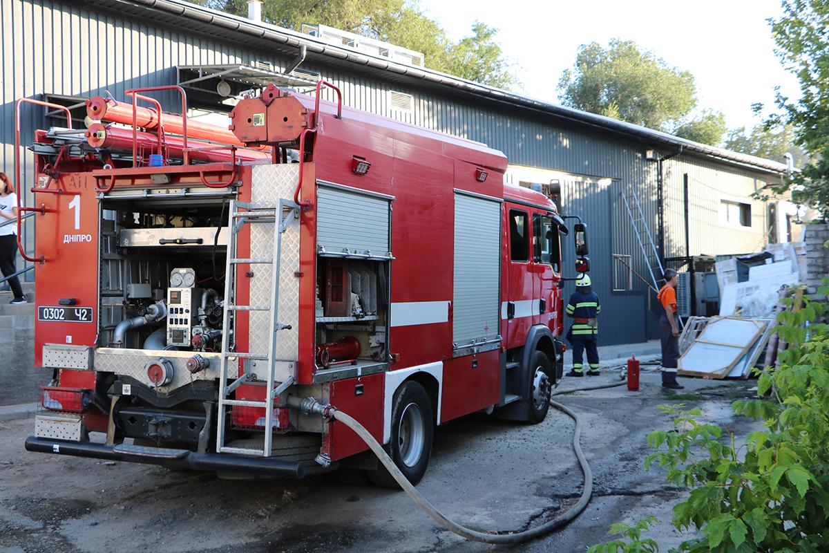 Пожарные не могли начать работу целый час. Новости Днепра