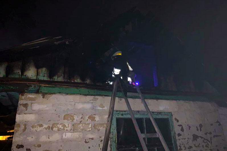 Новости Днепра про Масштабный пожар в Днепре: пострадавшего в тяжелом состоянии госпитализировали