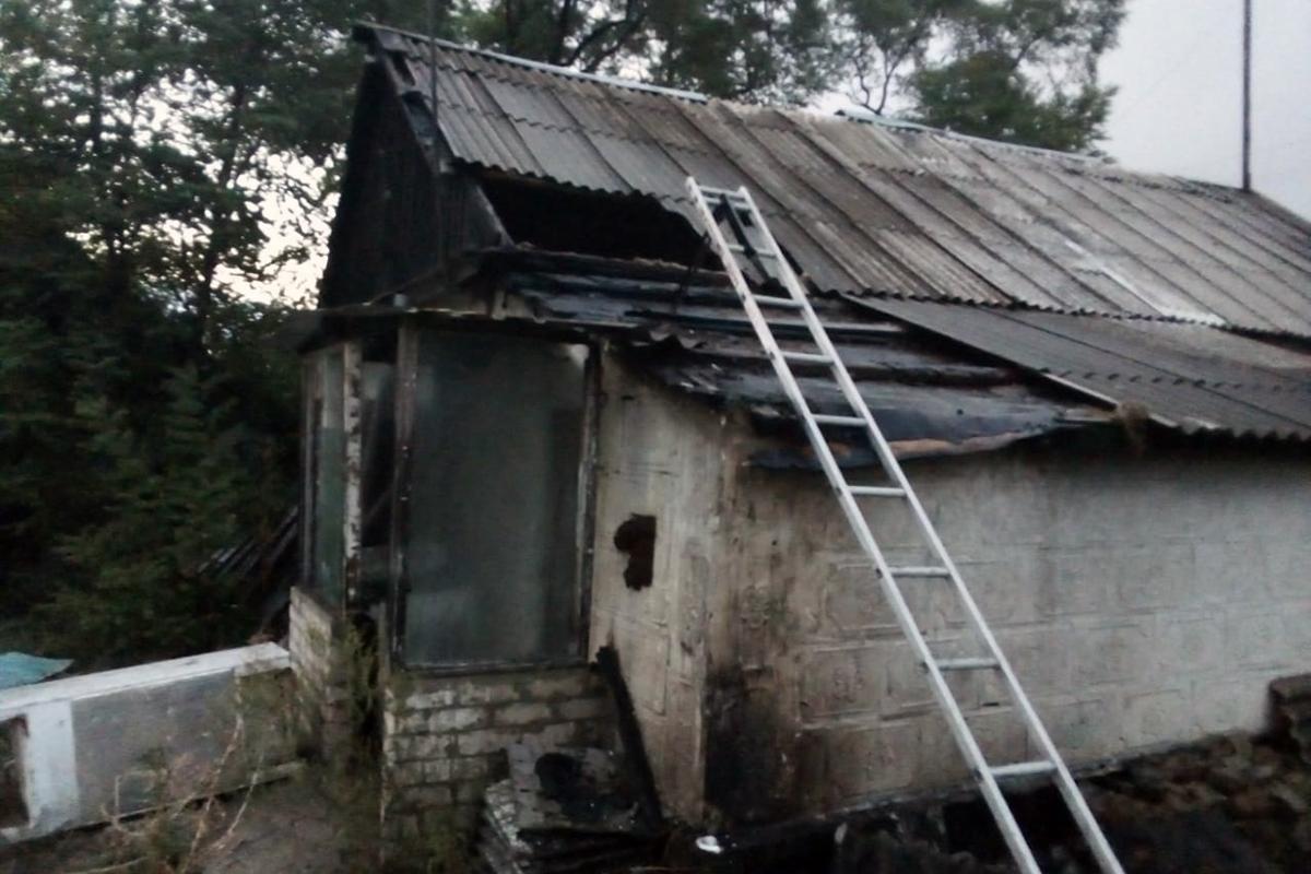 загорелись магазин и частный дом. Новости Днепра