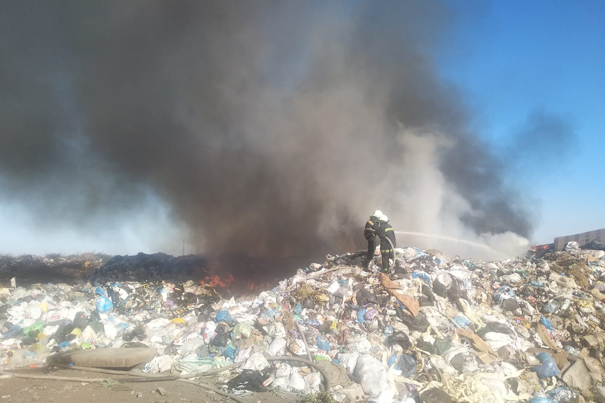 Полыхает свалка бытовых отходов. Новости Днепра