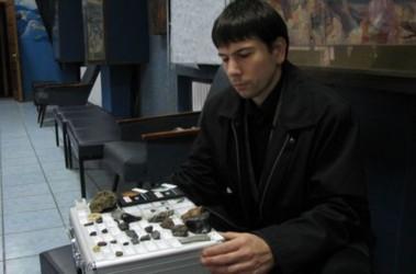 Новости Днепра про «Влюбленные утки и метеориты»: что коллекционируют днепряне