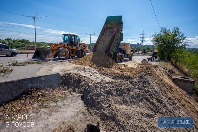 Начались восстановительные работы на рухнувшем мосту. Новости Днепра