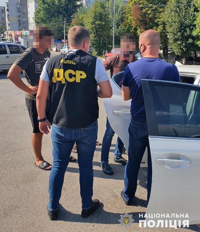 На взятке задержали двух чиновников. Новости Днепра