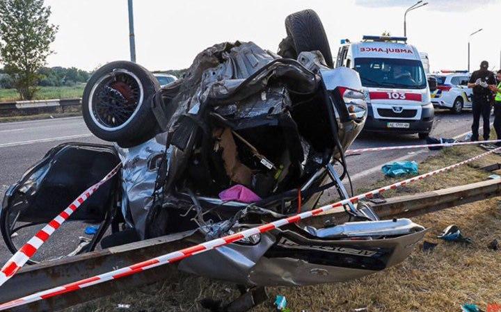 В Днепре произошло серьезное дорожно-транспортное происшествие, в результате которого погиб маленький ребенок, есть пострадавшие. Новости Днепра
