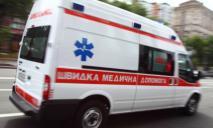 Видео момента ДТП: в Днепре мужчина попал под колеса скорой помощи