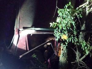 На месте работали спасатели, которые освободили потерпевших из деформированного автомобиля. Новости Днепра