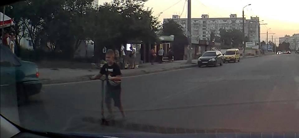 В области дети бросались под колеса автомобилей. Новости Днепра