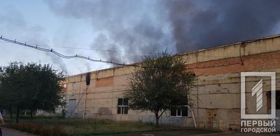 В области огонь охватил один из частных предприятий. Новости Днепра
