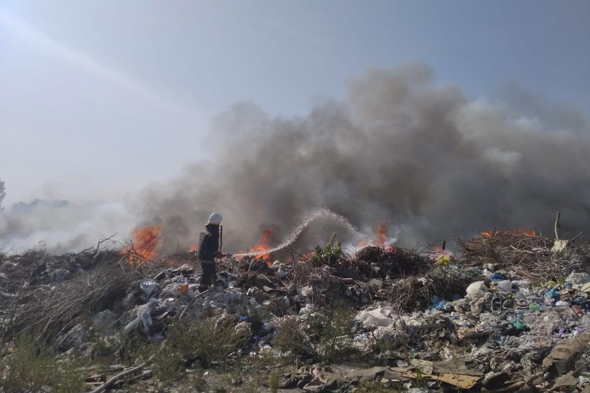 В области пожарные тушат пожар. Новости Днепра