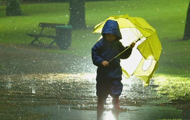 Новая неделя начнется с капризов погоды. В одних регионах ожидаются дожди, ветер и значительное похолодание, другие же будут страдать от жаркой погоды. Новости Украины