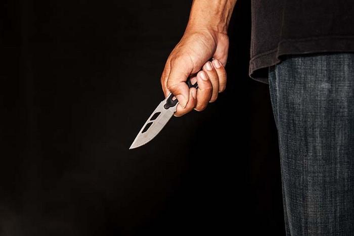 В области мужчина нанес удары ножом собутыльнику. Новости Днепра