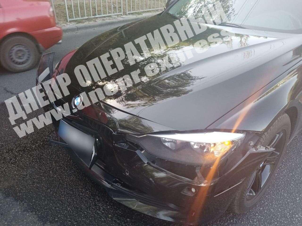 Из-за небрежного водителя произошла авария. Новости Днепра