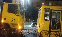 ДТП с маршруткой и грузовиком в Днепре: видео момента
