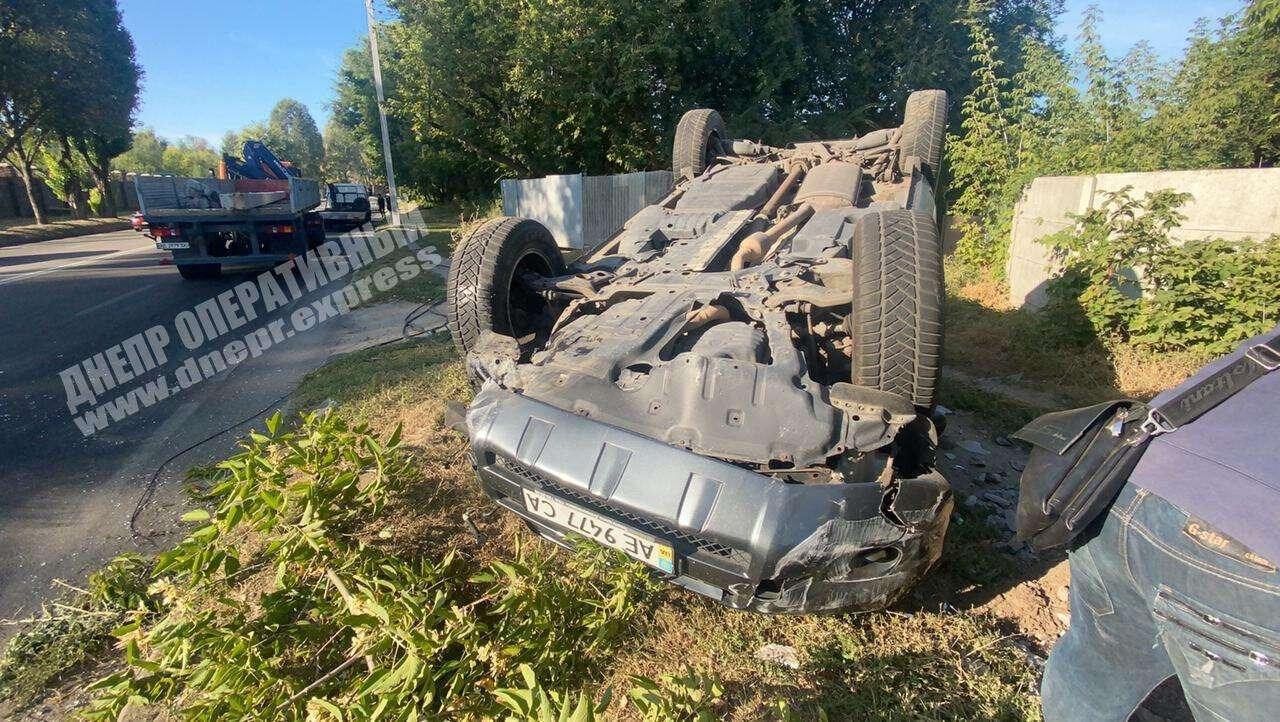В регионе авто влетело в столб. Новости Днепра