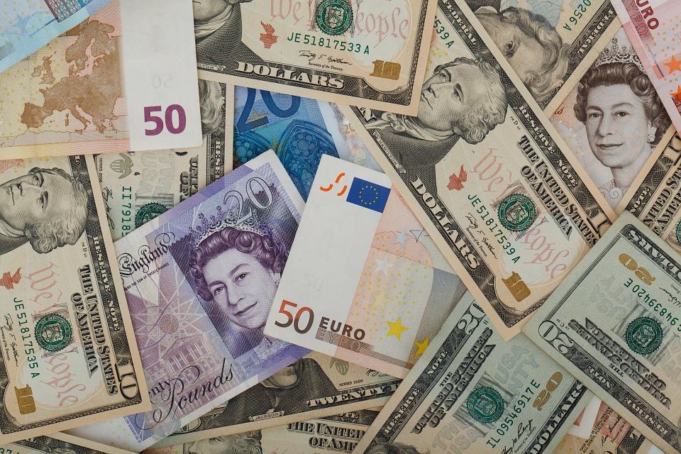 Новости Днепра про В Днепре курс доллара и евро продолжает расти