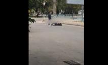 Надоело жить: в Днепре неадекватный мужчина бросался под колеса авто