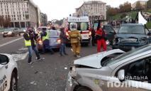 Видео жуткого ДТП в Киеве: авто въехало в толпу людей, есть погибшие