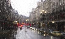 В Днепре после дождя затопило дороги