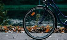 Под Днепром мужчина упал с велосипеда: пострадавший скончался