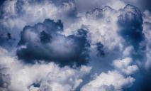 Тепло не отступает: какая погода ожидает жителей Днепра