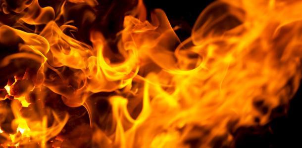 Пожар в квартире: мальчик получил ожоги