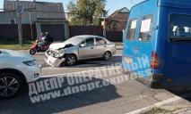 ДТП в Днепре: после столкновения автомобиль загорелся