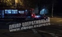 ДТП в Днепре: образовалась пробка, движение трамваев заблокировано