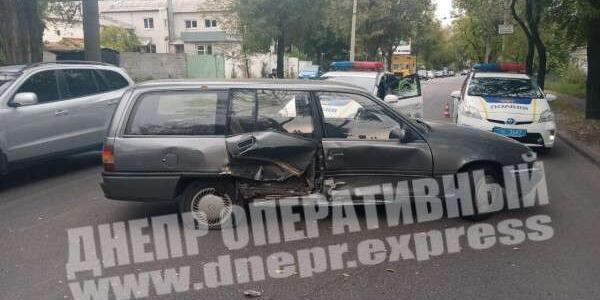 ДТП: в Днепре столкнулись два автомобиля, что известно