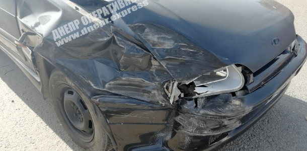 Видео момента ДТП: в Днепре столкнулись автомобили