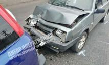 ДТП на проспекте в Днепре: столкнулись две легковушки
