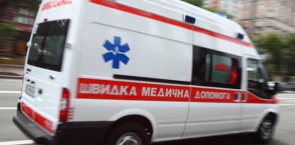Автомобиль сбил женщину: пострадавшую с травмами госпитализировали