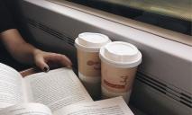 «По многочисленным просьбам»: Укрзализныця снова будет продавать кофе и чай в поездах