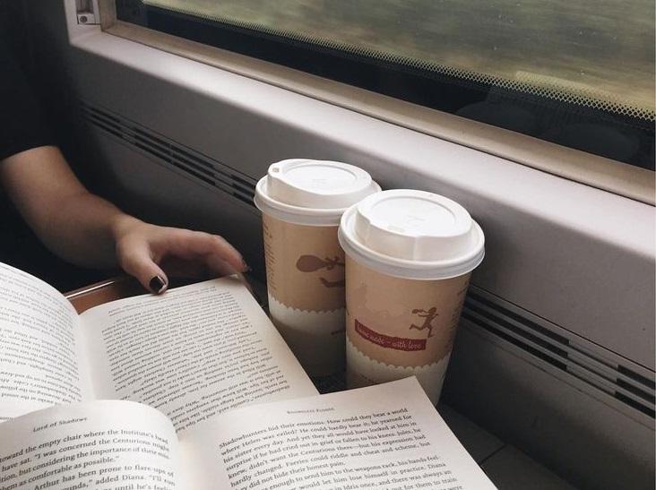 Теперь, как и раньше, в поездах пассажирам будут продавать кофе и чай. Новости Украины