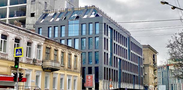 Клон «Пассажа»: появилось новое здание в центре Днепра