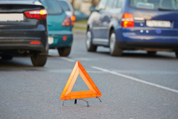 В Днепре чуть не сбили пешехода. Новости Днепра