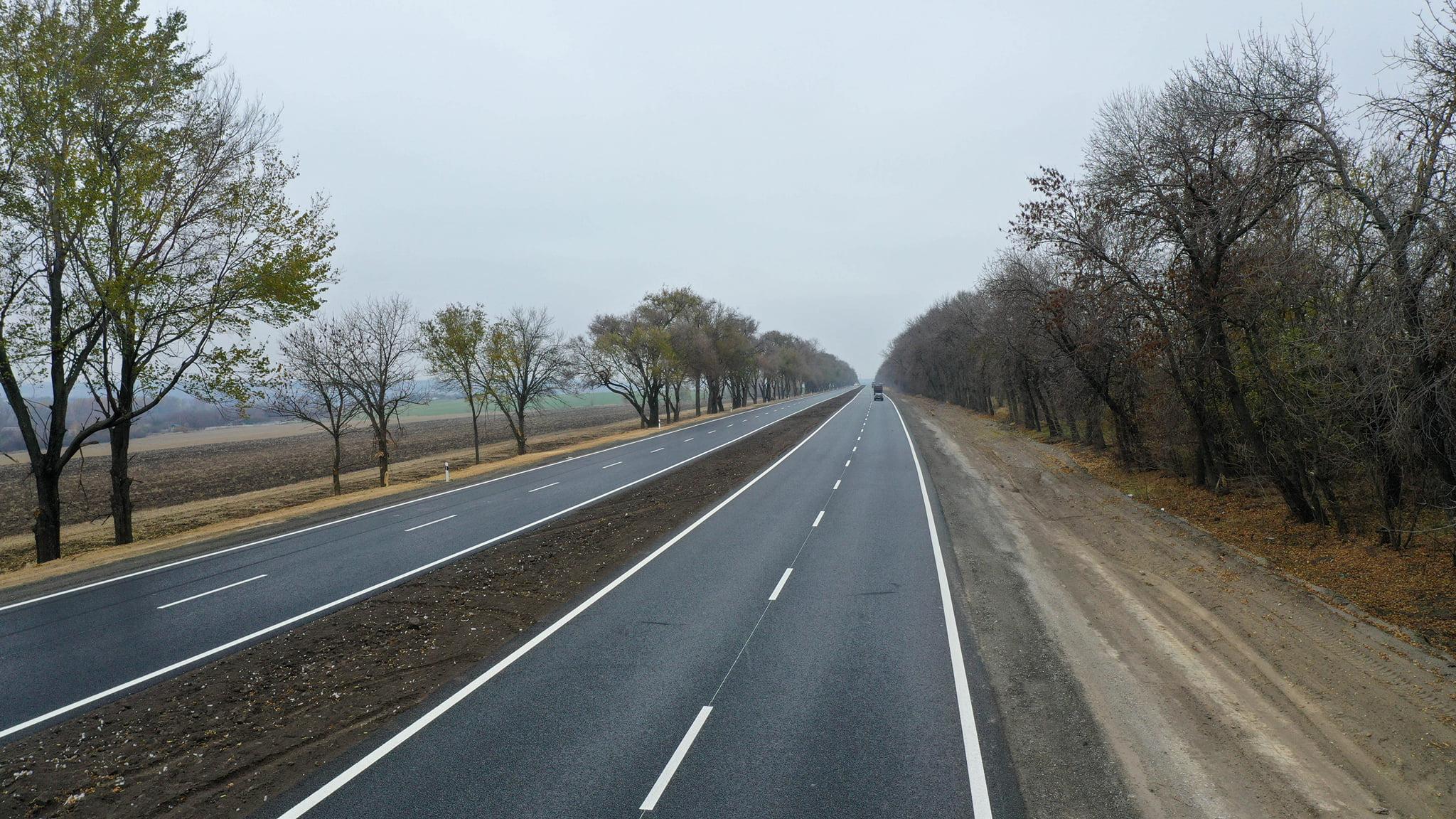 Новости Днепра про Юрий Голик показал, как выглядит обновленный участок автодороги М-04 неподалеку от Днепра
