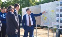 Юрий Голик показал, как выглядит обновленный участок автодороги М-04 неподалеку от Днепра