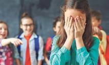 Праздник за закрытыми дверями: школьницу оставили без подарка