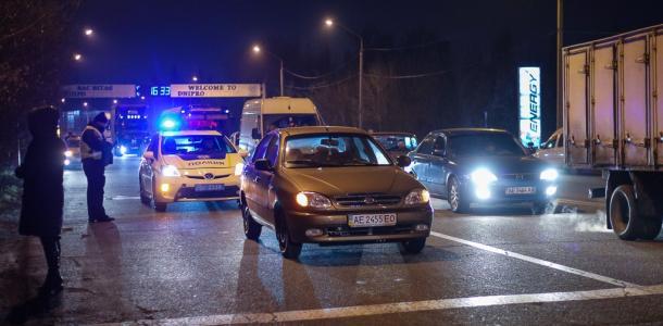 Не доехал: в Днепре мужчина умер прямо во время движения