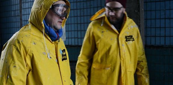 Отодрали все: днепровские активисты отмывают город