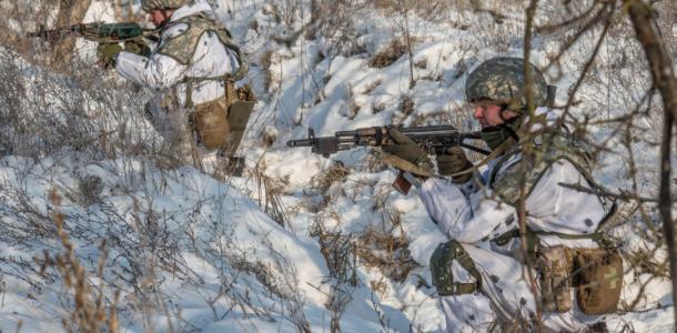 Военные устроили «лазерное шоу» под Днепром с применением спецсистемы (ФОТО)