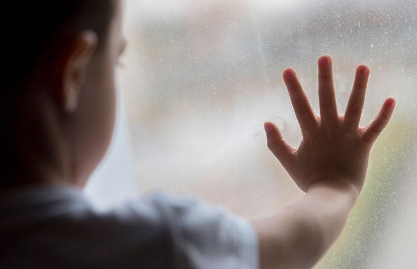 Ребенка выбросили из окна. Новости Украины