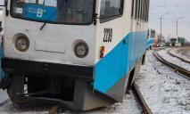 Трамвайный бунт: сразу шесть вагонов сошли с рельс в Днепре