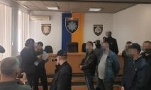 «Чужими руками жар загребать»: на Днепропетровщине банда полицейских повышала раскрываемость, заставляя людей совершать преступления