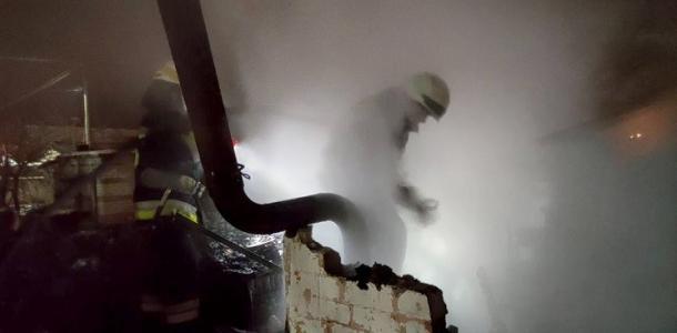 Банька – огонь! В Днепре загорелась баня